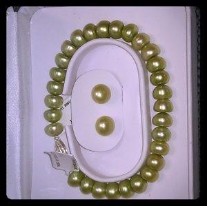 Jewelry - 8mm Green CFW Pearl earrings,necklace and bracelet
